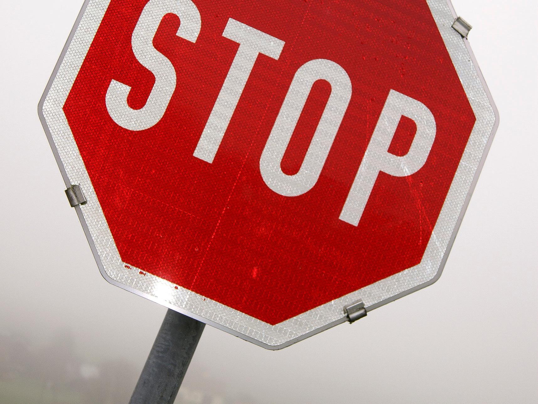 Stop (c) Bild: Martin Manigatterer In: Pfarrbriefservice.de