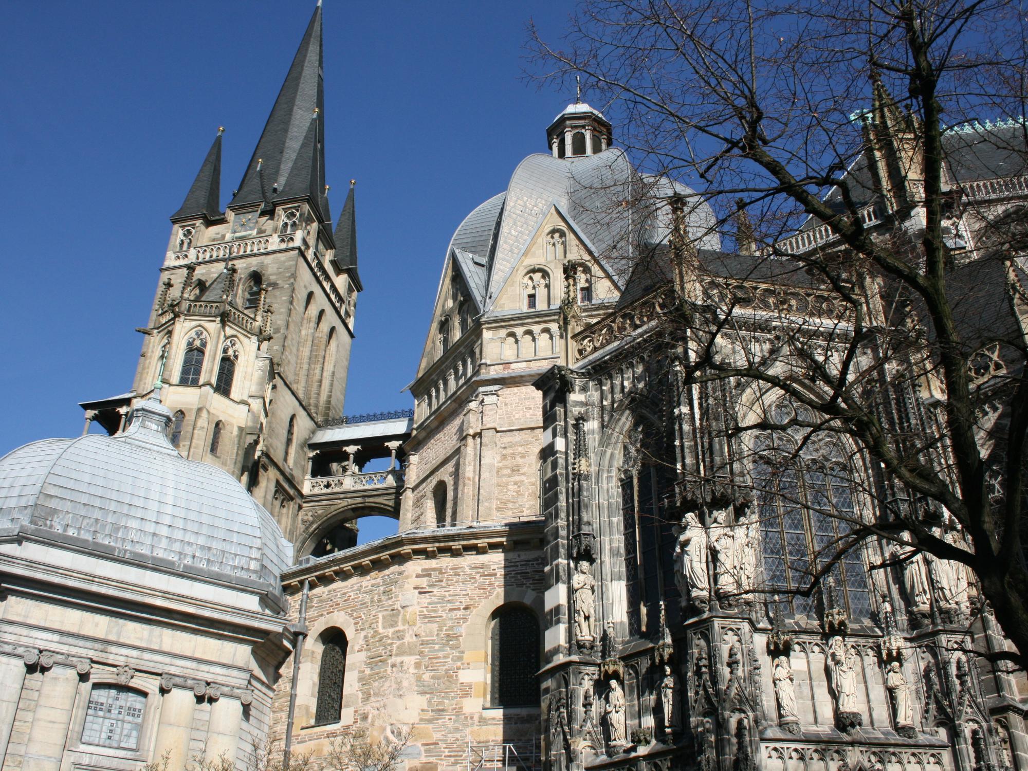 Aachener Dom (c) Monika Herkens