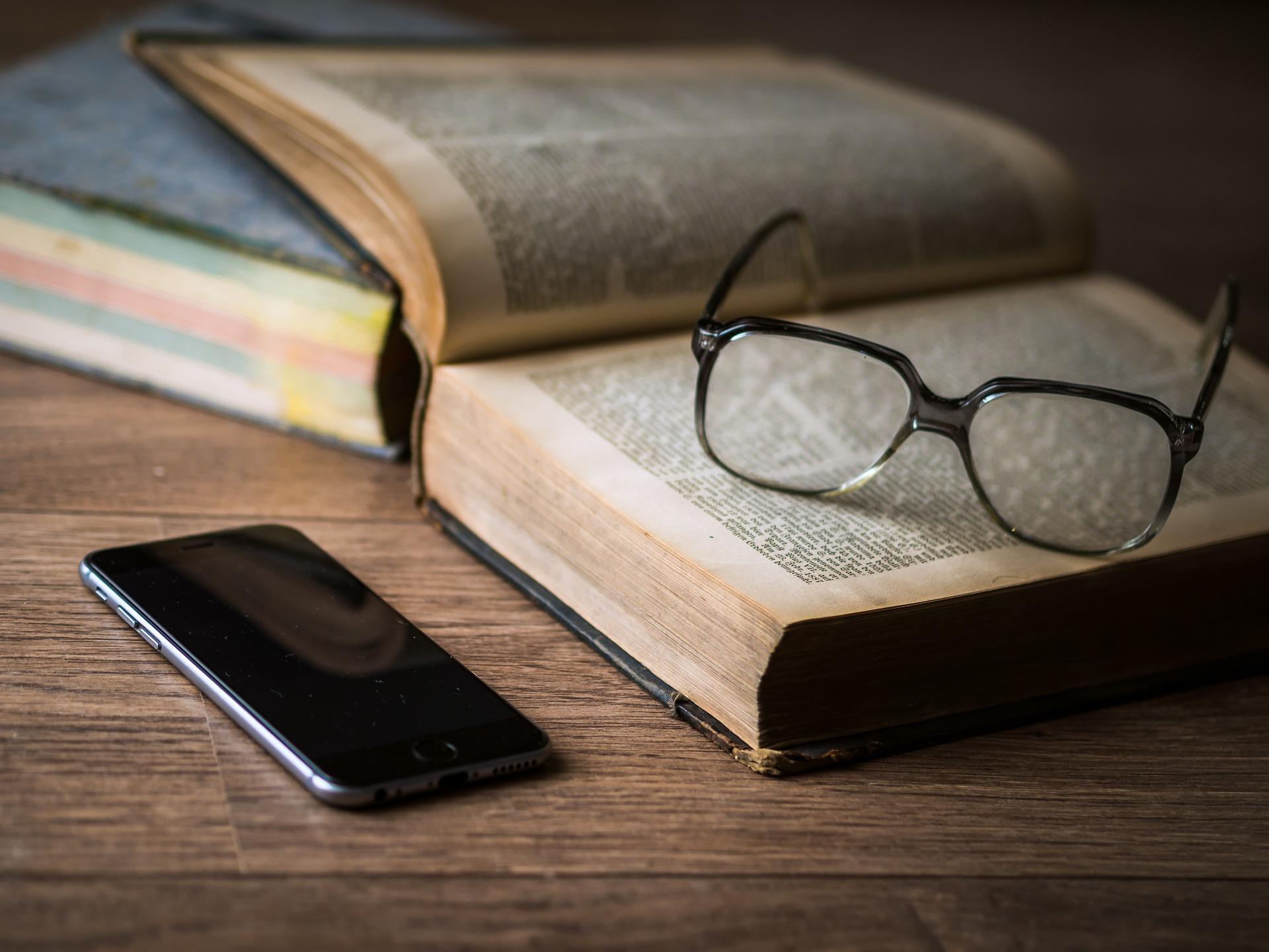 phone-1052023_1920 (c) www.pixabay.com