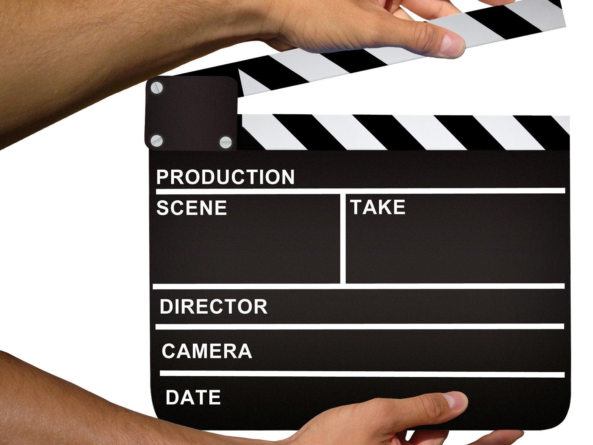 Videos und Audios auf die Website einstellen - (ergänzt um Links zum Thema Streaming und Gema etc.) (c) Bild von Mediamodifier auf Pixabay